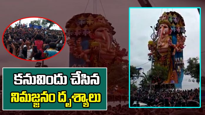 Scenes of immersion | Khairatabad Ganesh